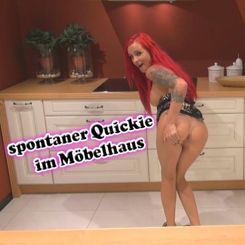 spontaner Quickie im Möbelhaus