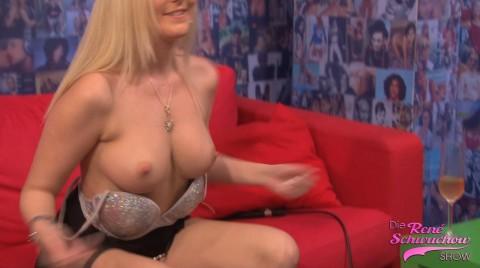 Bella Blond Titten check